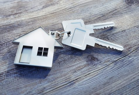 Haus-Schlüssel auf Holz
